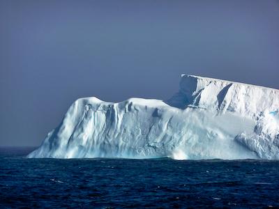 JCR_200_11_the First_iceberg
